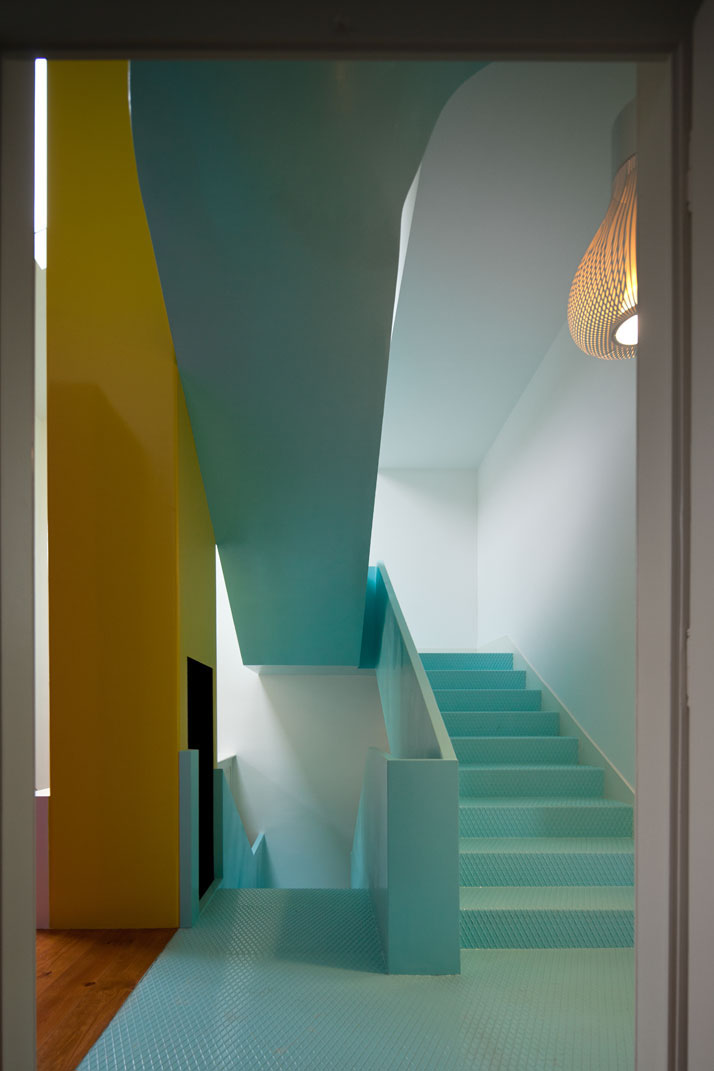GMG House Pedro Gadanho 7 Multicolor and Contemporary Interior in Portugal