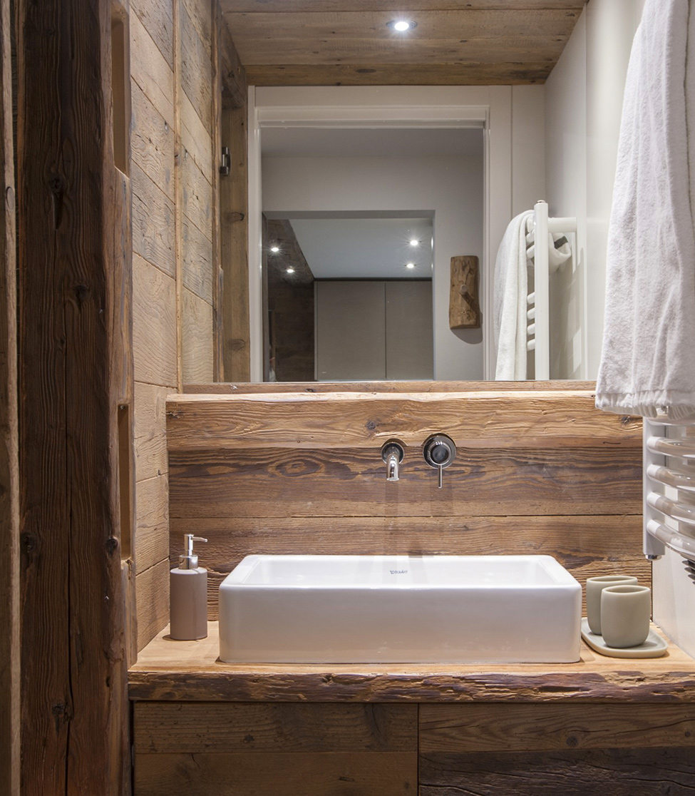 Rustic mountain chalet apartment your no 1 source of for Meuble salle de bain rustique