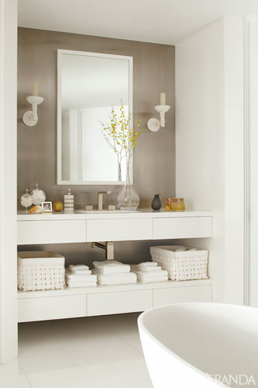 VER richard hallberg boston bathroom de Calm and Serene Apartment in Boston
