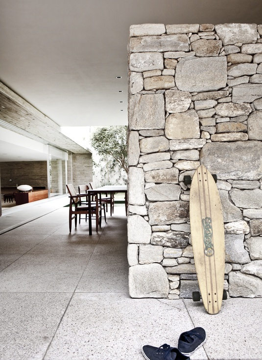 12ebb150a0671458a49482bc38bd2b3e Rough Stone Wall Ideas
