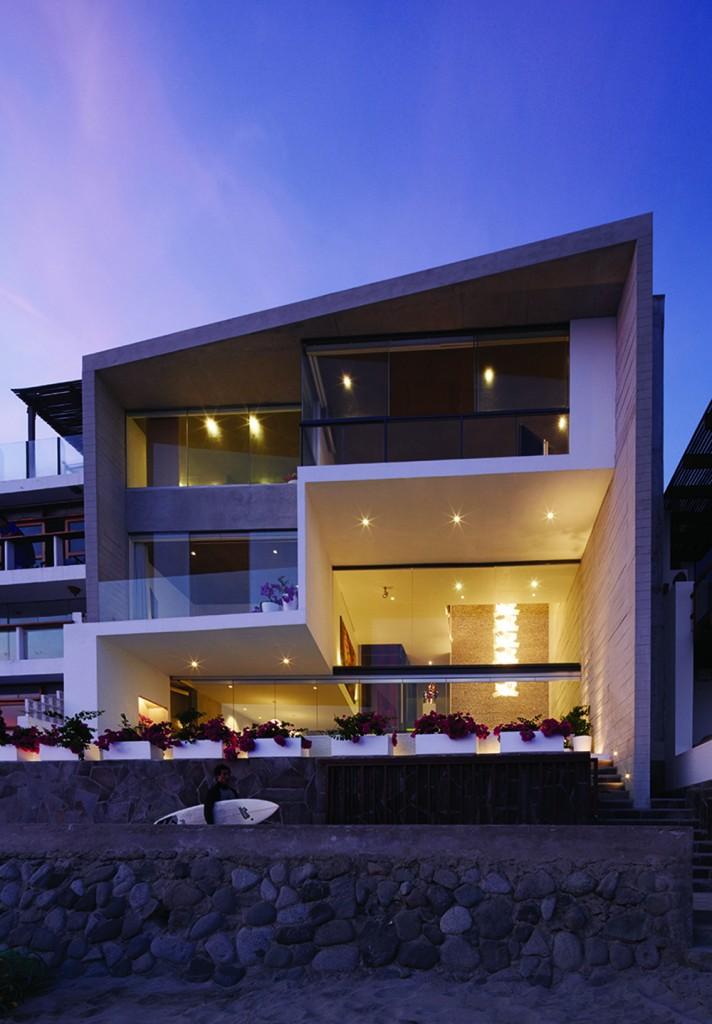 CM6 02 712x1024 How Barclay&Crousse Architects Embellished Peru