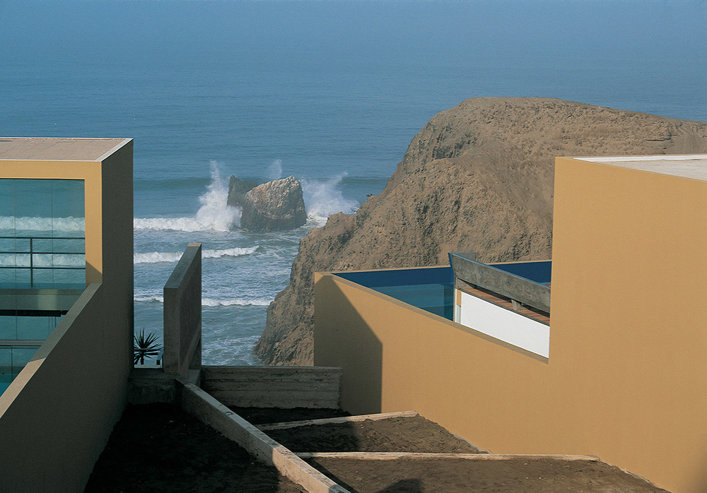 EQUIS2 How Barclay&Crousse Architects Embellished Peru