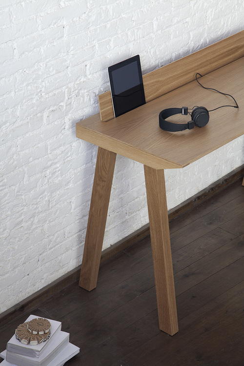 n1.1.1 Ernest Desk   a minimalist office desk by designer Borja Garcia