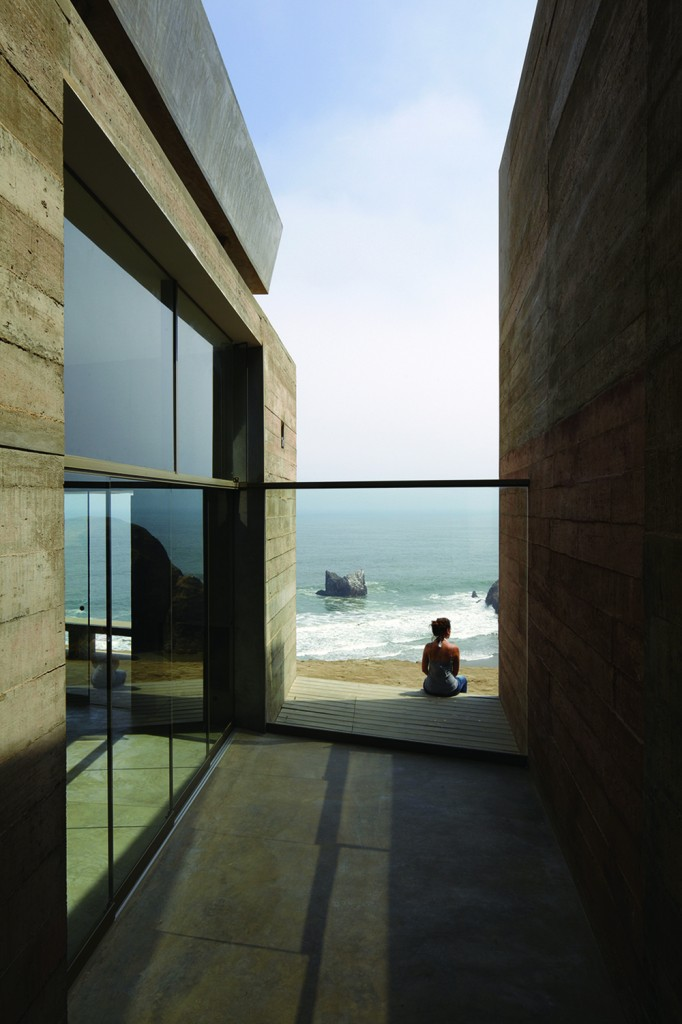 vedoble2 682x1024 How Barclay&Crousse Architects Embellished Peru