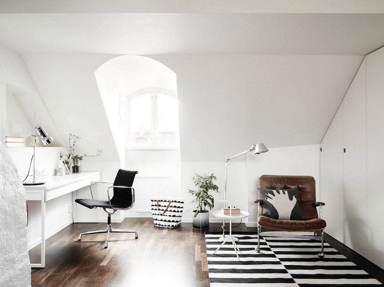 white and bright home office in the attic Home Office: How To Create A Scandinavian Feeling