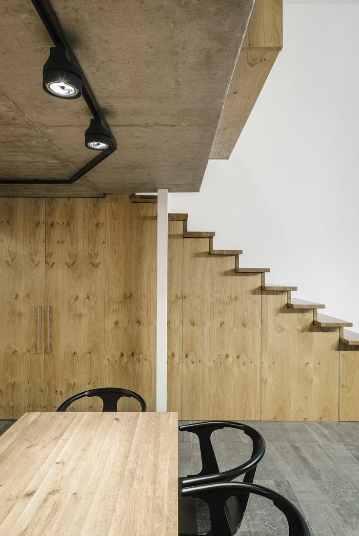 fef865600a339106b4a776d5b6235e43 Modern Loft With Wooden Details