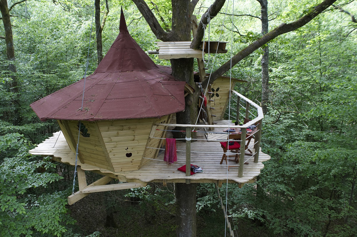 les cabanes du bois landry france 10 Most Amazing Treehouse Hotels From Which You Would Never Wish To Check Out