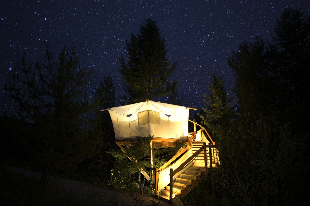 treehouse at glacier under canvas 10 Most Amazing Treehouse Hotels From Which You Would Never Wish To Check Out
