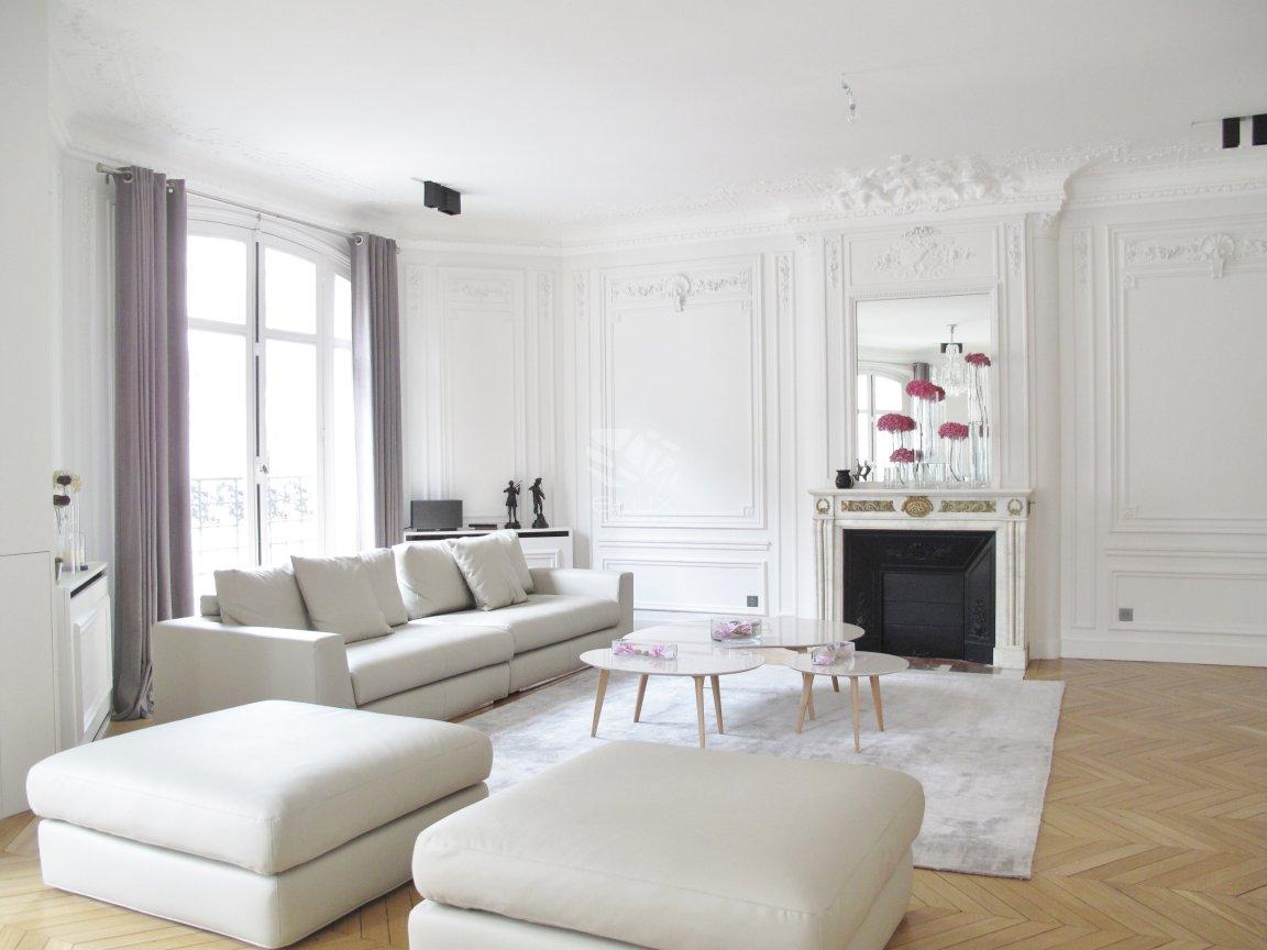 Salon haussmannien moderne: decoration appartement de a m ...
