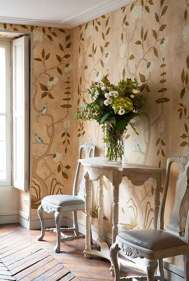 201407 03 large1 50+ Floral Wallpaper and Mural Ideas