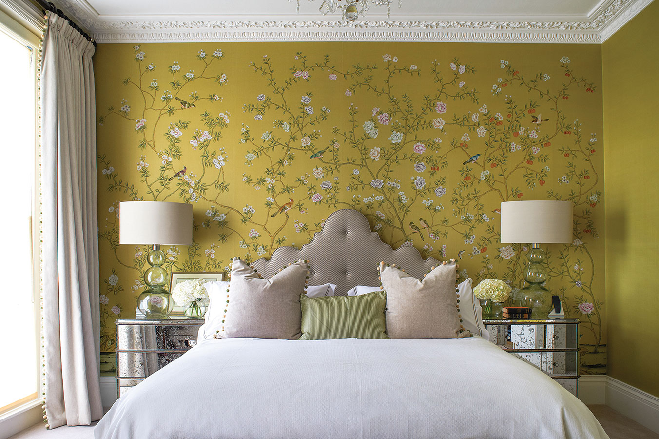 50 floral wallpaper and mural ideas your no 1 source of for Wallpaper decoration for bedroom