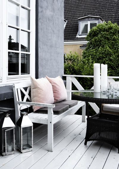 Black and White Deck Design