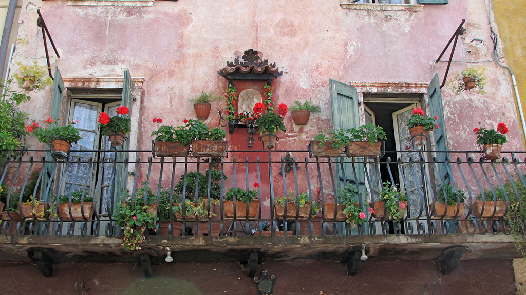 classic italian balcony 35 Worlds Most Beautiful Balconies