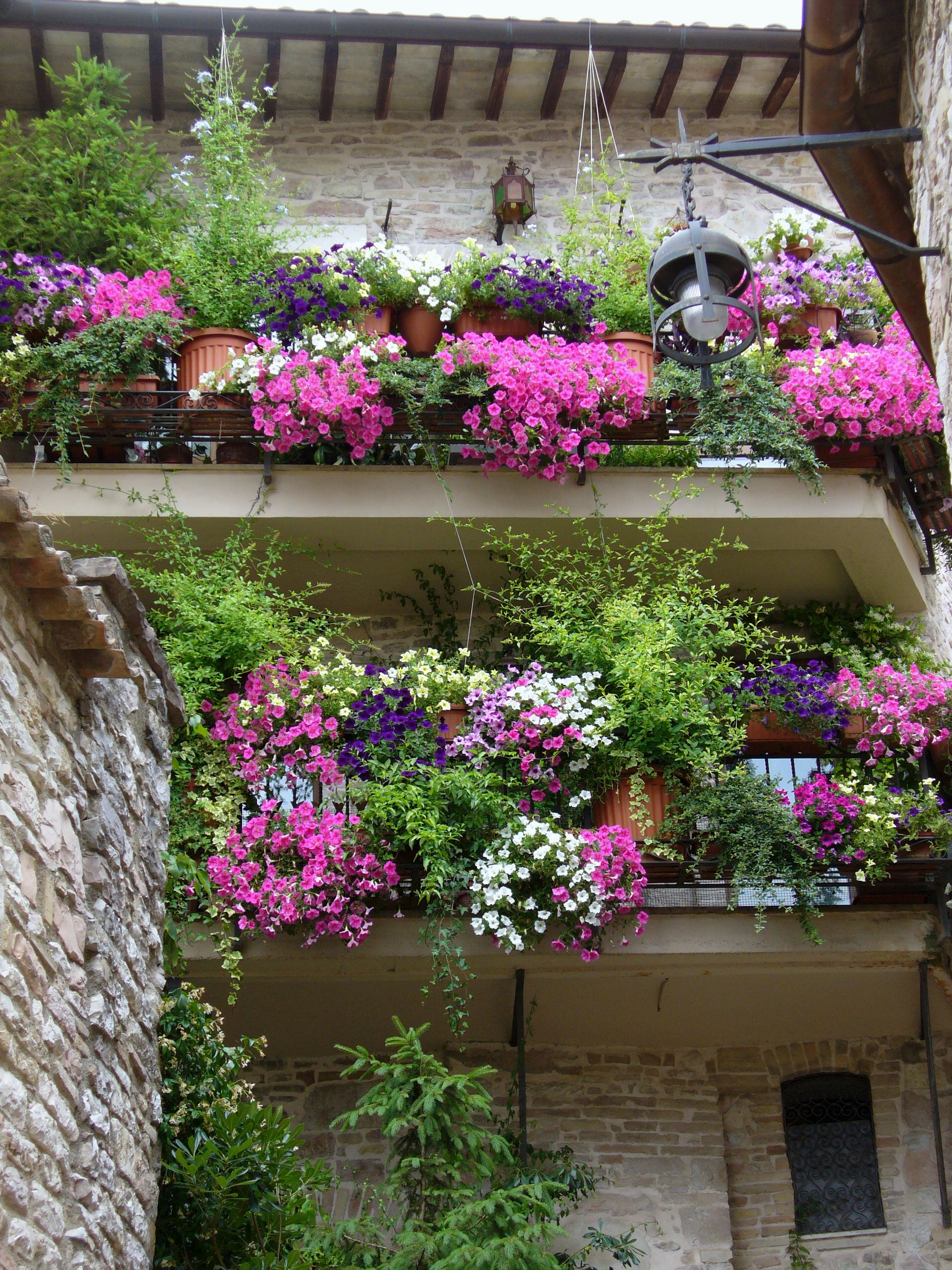 floral balcony 35 Worlds Most Beautiful Balconies