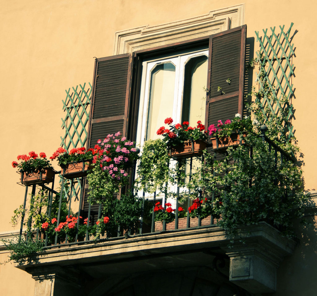 stunning balcony 35 Worlds Most Beautiful Balconies