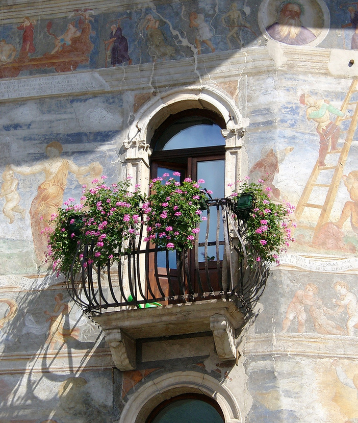 trento italy 35 Worlds Most Beautiful Balconies