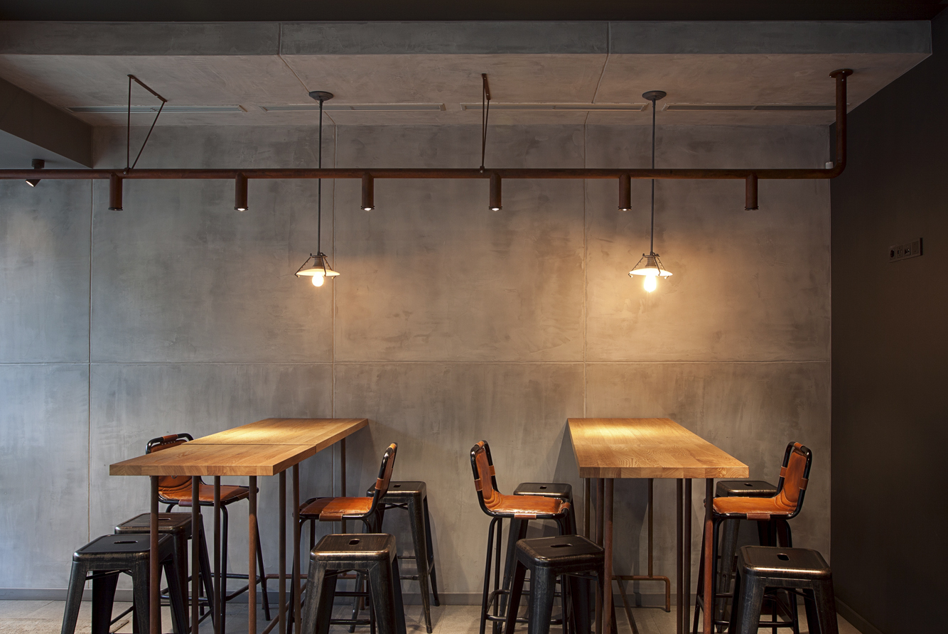 Coffee shop vie ia kava in vilnius your no 1 source of for Industrial interior design lighting