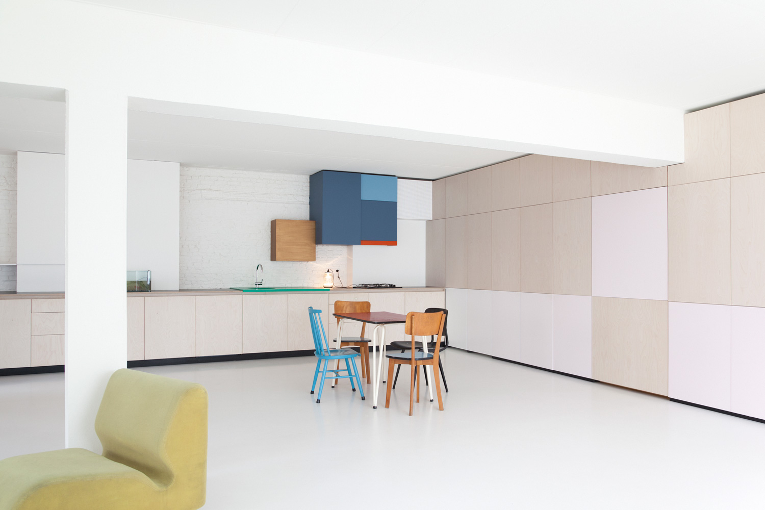 colorful kitchen by belgian designer dries otten Colorful Kitchen By Belgian Designer Dries Otten