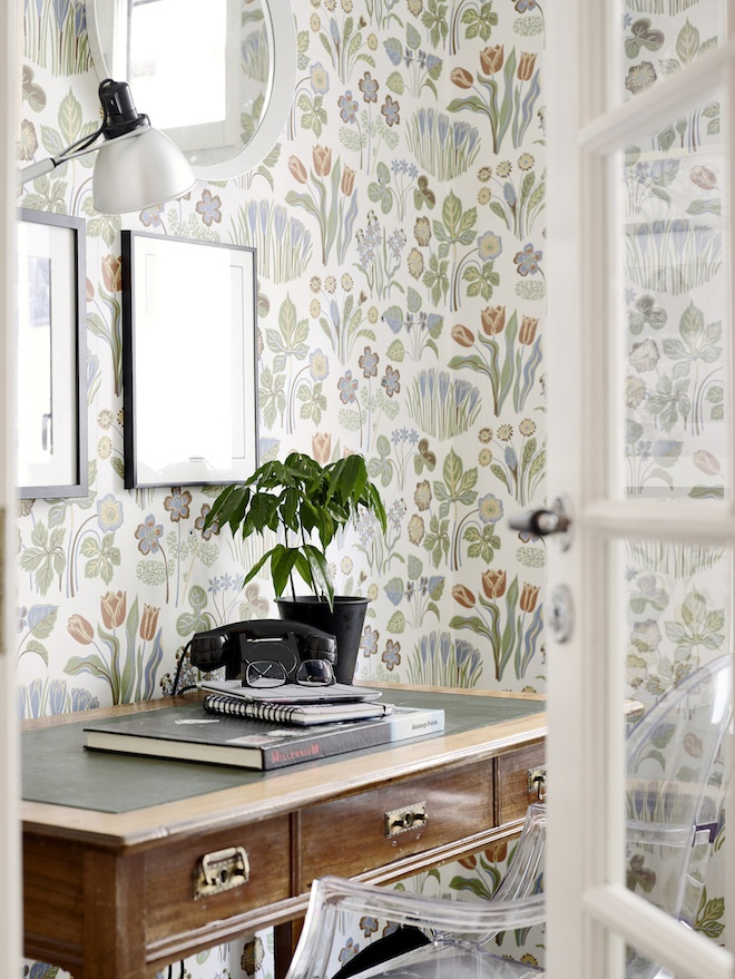 floral wallpaper space Creating Inspiring Workspace