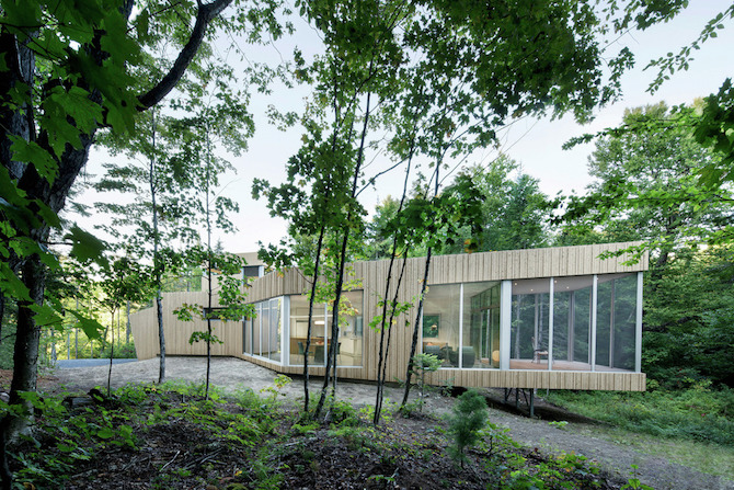 a minimal wooden house reflects the flow of the river 3 A Minimal Wooden House Reflects The Flow Of The River