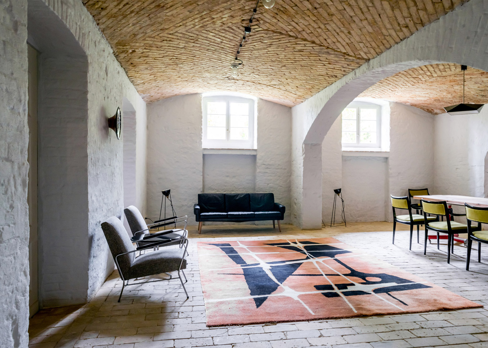 A Summer Apartment In Berlin Reflects The Old