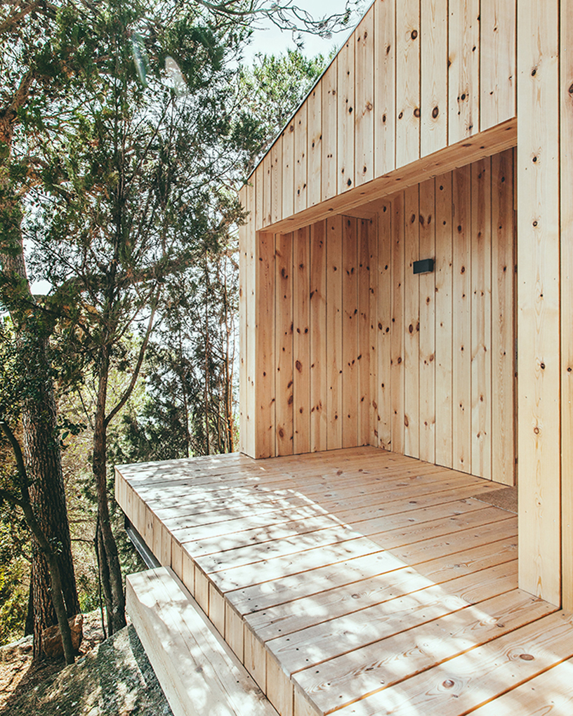 a sustainable timber cabin by dom arquitectura 10 A Sustainable Timber Cabin By Dom Arquitectura