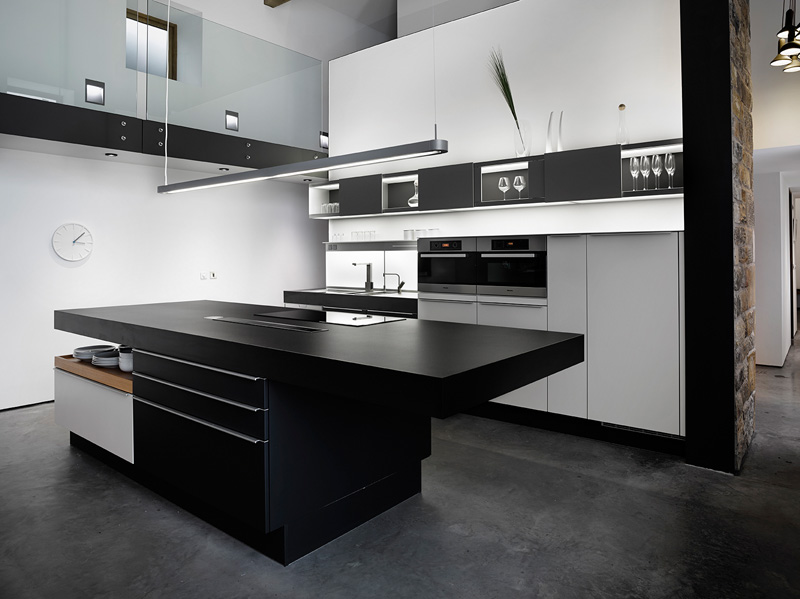 design rehabilitation 9 Barn Turned into Contemporary Home