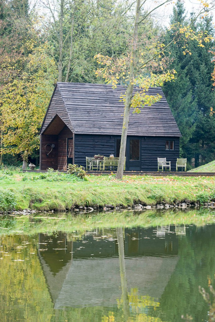 magical house on the lake in belgium 3 684x1024 Your Getaway Place   A Magical House On The Lake In Belgium