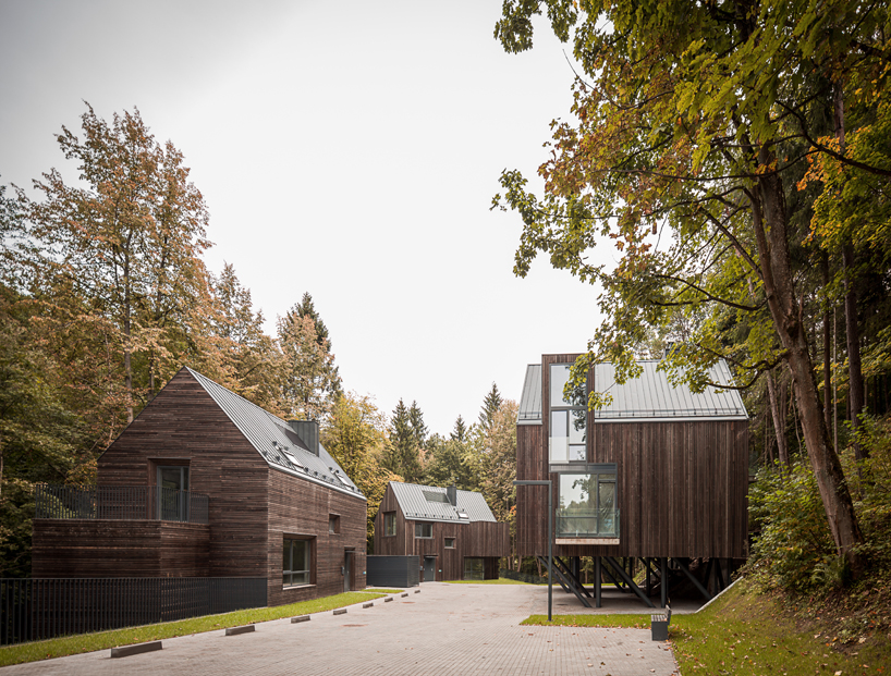 wooden residences in a lithuanian nature reserve by palekas architects 5 Wooden Residences In A Lithuanian Nature Reserve By Palekas Architects