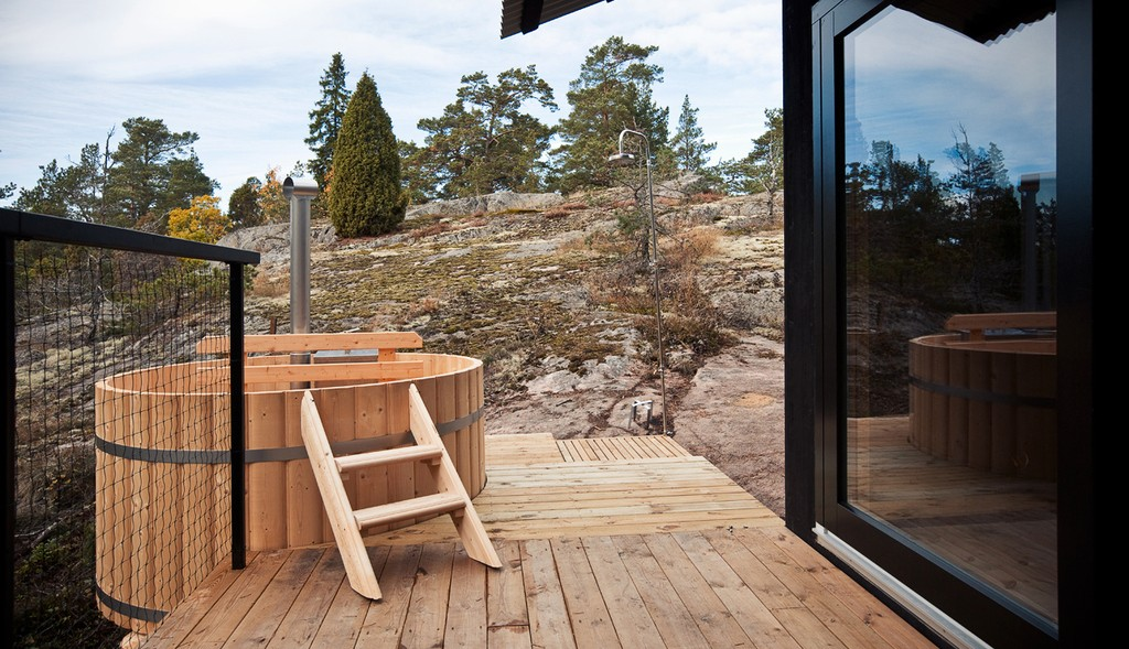 a place that you would never wish to leave wooden cottage in the swedish archipelago 22 1024x589 A Place That You Would Never Wish To Leave   Wooden Cottage In The Swedish Archipelago