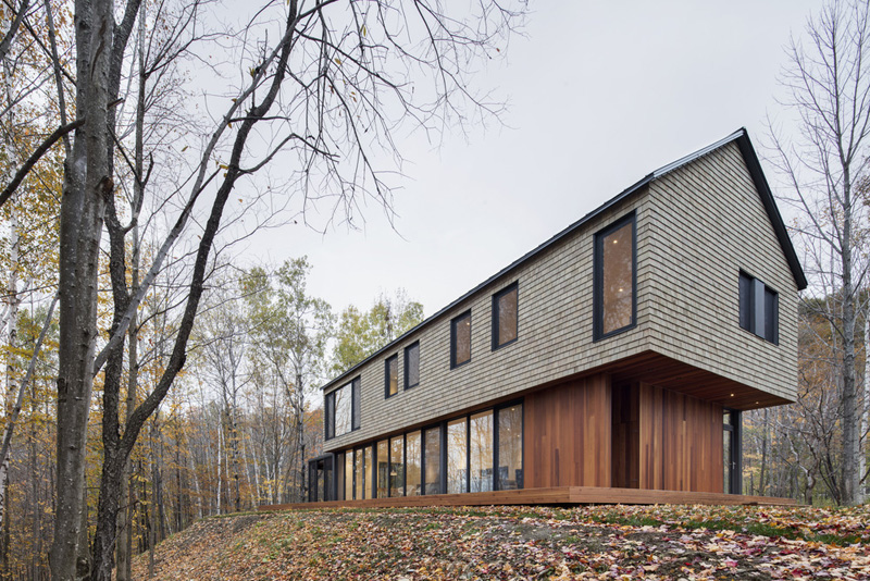 kl house by bourgeois lechasseur architects 1 Dreamy House Surrounded By Woods In North Hatley, Canada