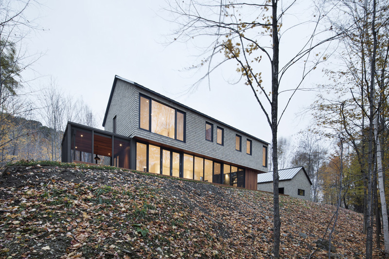 kl house by bourgeois lechasseur architects 4 Dreamy House Surrounded By Woods In North Hatley, Canada