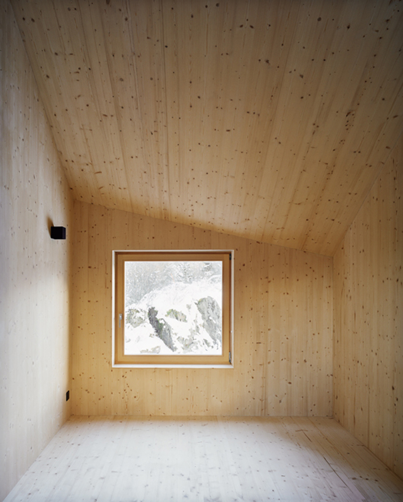 minimal cabin in switzerland by lacroix chessex architectes 17 Minimal Cabin In Switzerland By Lacroix Chessex Architectes