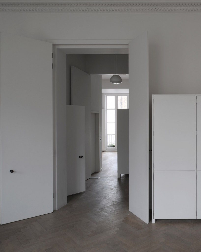 piano nobile apartment inspired by vilhelm hammershois paintings 4 819x1024 Piano Nobile Apartment Inspired By Vilhelm Hammershois Paintings