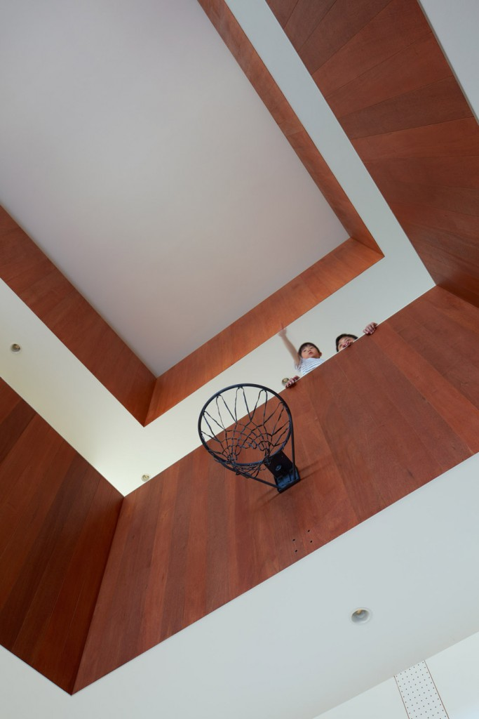 a house in japan has an indoor basketball court 16 683x1024 A House In Japan Has An Indoor Basketball Court