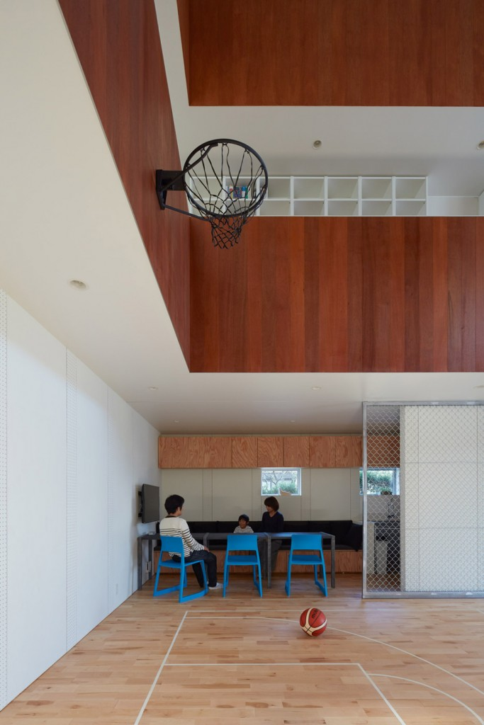 a house in japan has an indoor basketball court 19 683x1024 A House In Japan Has An Indoor Basketball Court