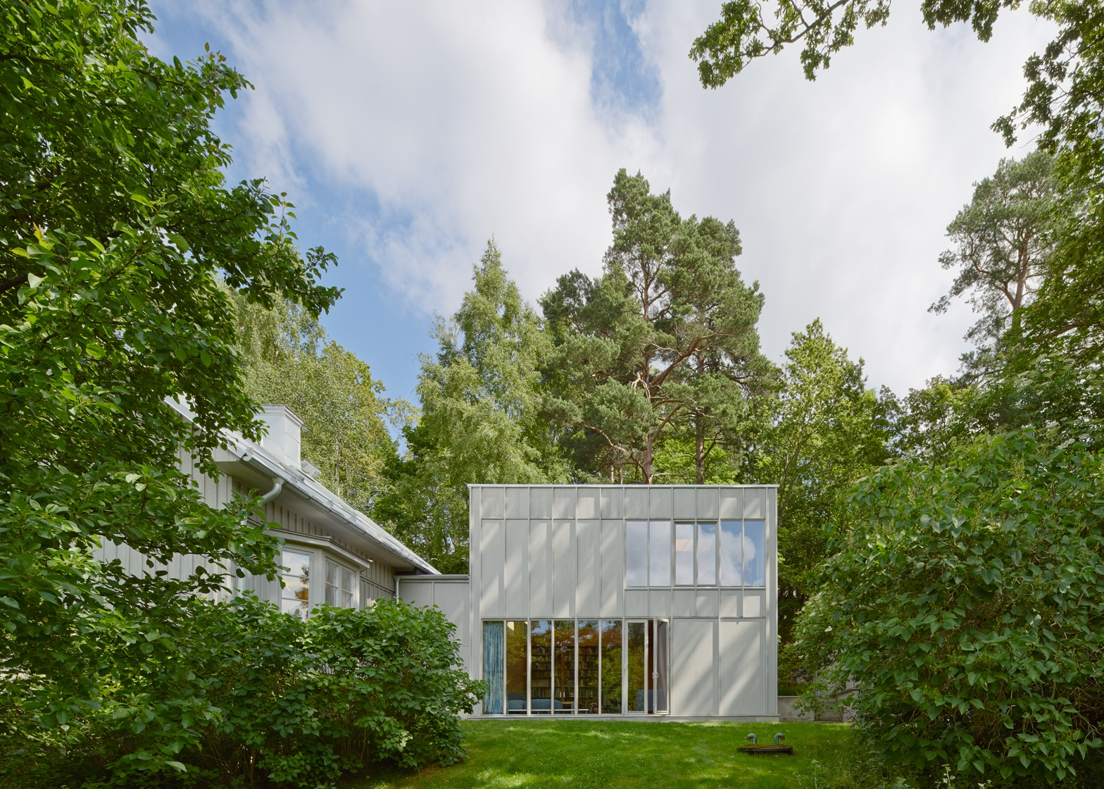 A wooden extension was built to the 19th century swedish for Extension villa