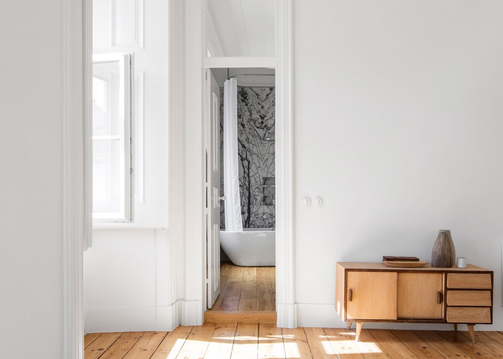 original wooden flooring was restored in this 19th century apartment 9 1024x731 Original Wooden Flooring Was Restored In This 19th Century Apartment