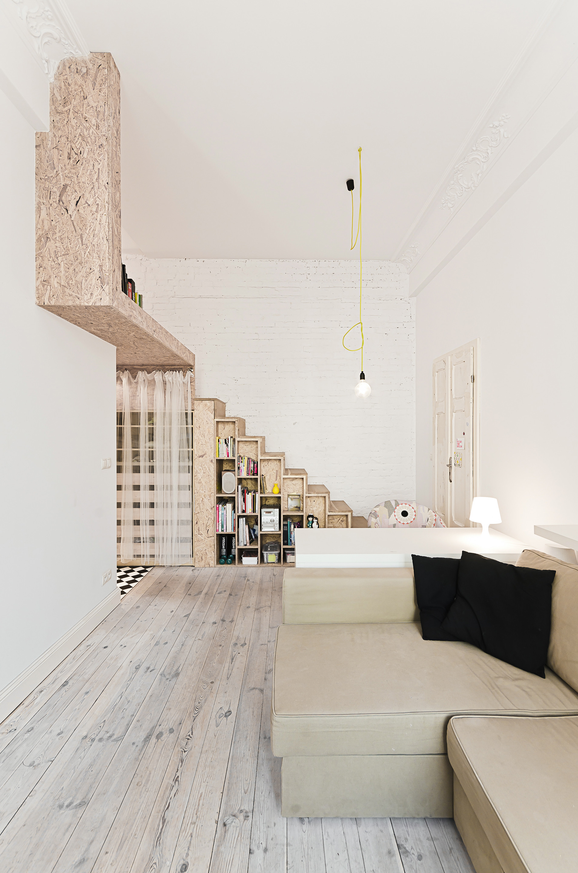 29 sqm 3xa 5 OSB Was Used To Build a Mezzanine in This Tiny 29m² Apartment