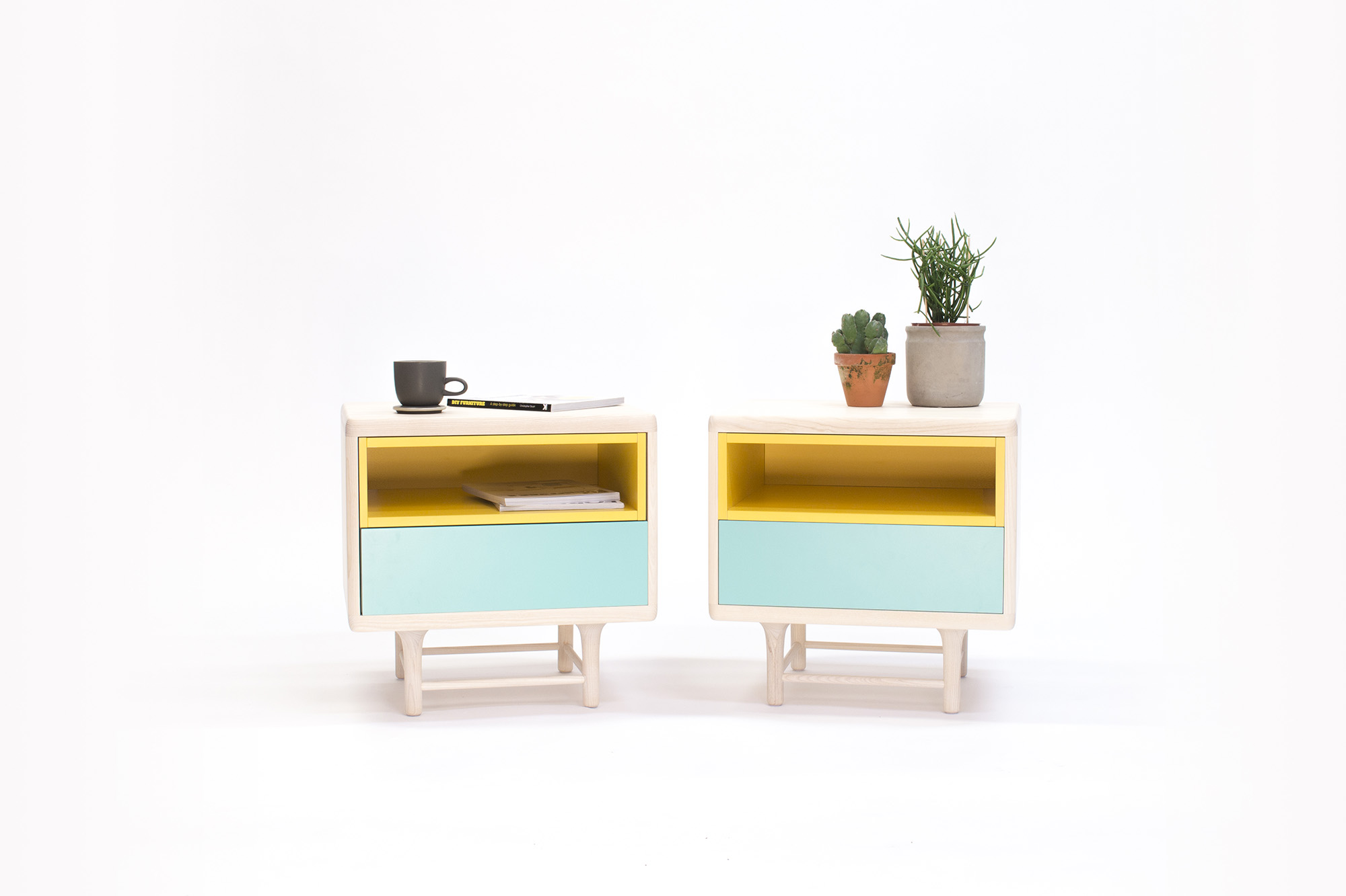 Minimal scandinavian furniture by designer carlos jim nez for Scandinavian furniture