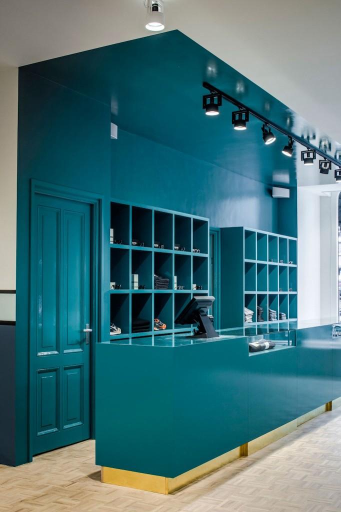 Pelican Studio Minimalist Store In Amsterdam By Framework