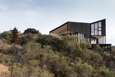 Wooden House In Chile Provides a Profound Connection With The Nature