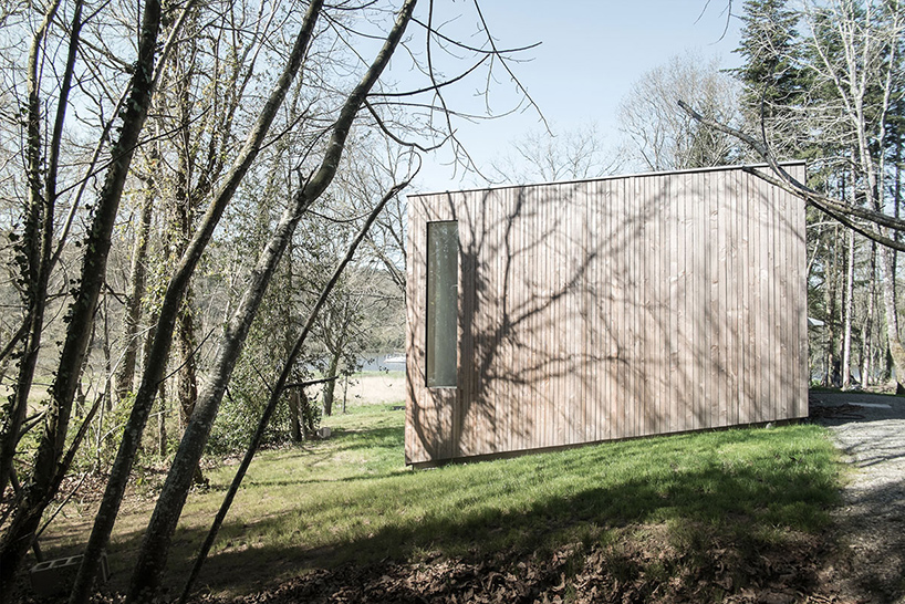 a single volume timber cabin in north western france designed by atelier mima 4 a Single Volume Timber House in North Western France Designed by Atelier Mima