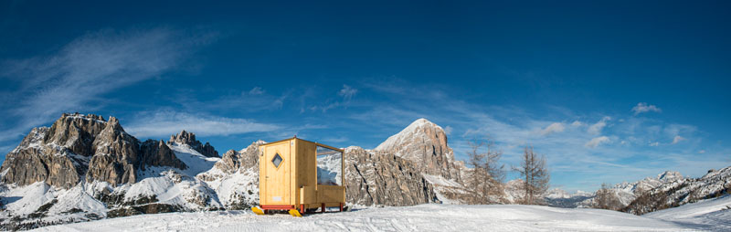 enjoy the amazing view of dolomite mountains in this tiny cabin 2 Enjoy the Amazing View of Dolomite Mountains in this Tiny Cabin