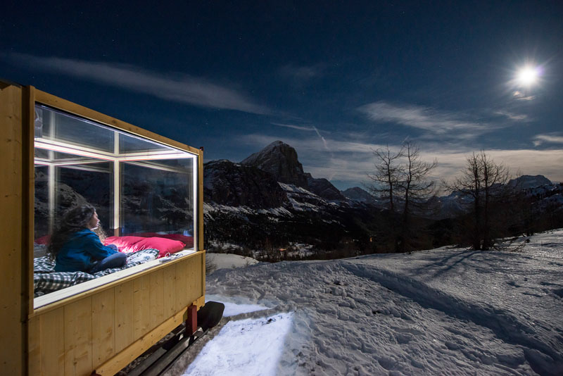 enjoy the amazing view of dolomite mountains in this tiny cabin 3 Enjoy the Amazing View of Dolomite Mountains in this Tiny Cabin