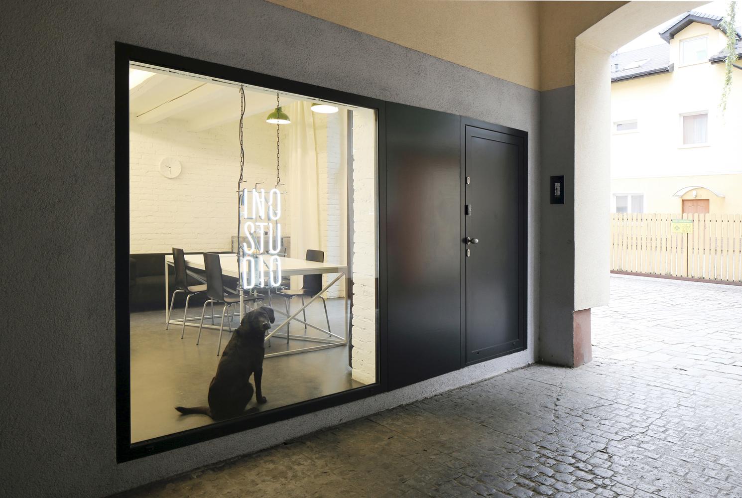 Inostudio Designed A Minimalist Office In Gliwice Your