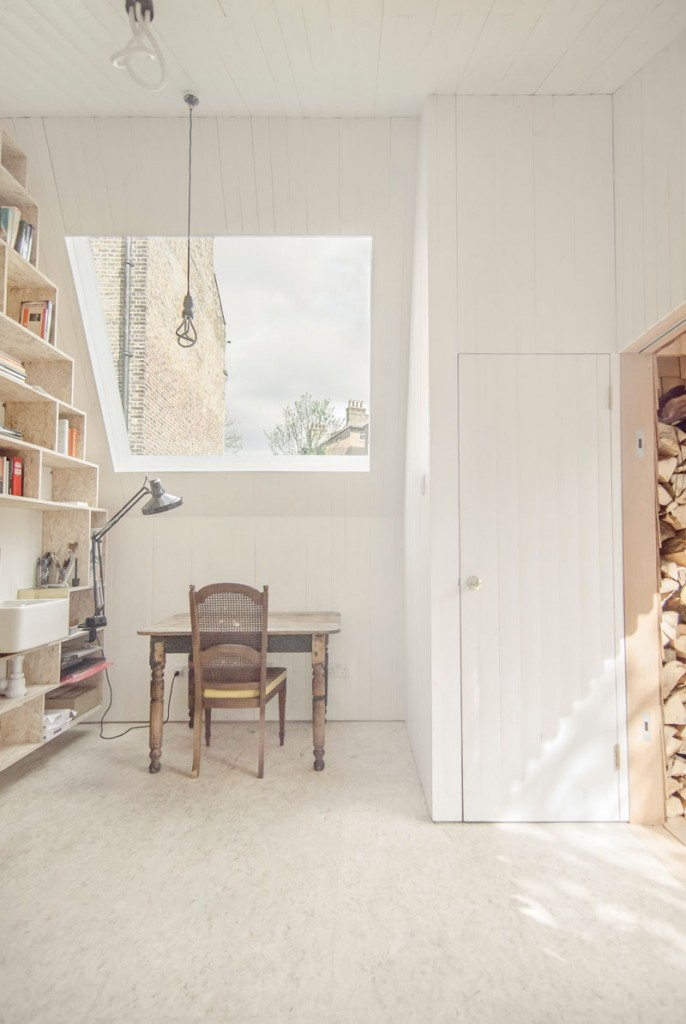 this tiny shed was designed as a workspace for a writer 5 686x1024 This Tiny Shed was Designed as a Workspace for a Writer