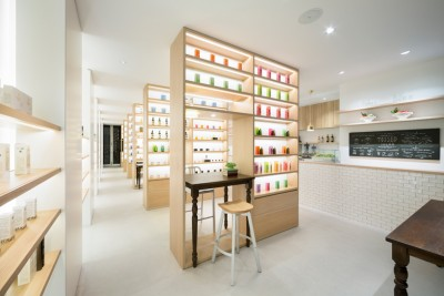 BEAUTY studio in TOKYO with the self-study areas