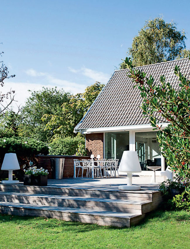 colourful home 02 A Colourful and Airy Home in Denmark