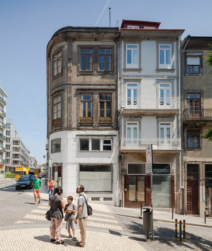 an old townhouse renovation in porto by pedro ferreira architecture studio 11 867x1024 An Old Townhouse renovation in Porto by Pedro Ferreira Architecture Studio